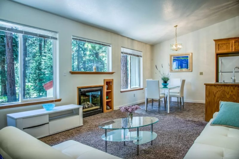 Clean and Spacious 3 Bedroom Apartment - Image 1 - South Lake Tahoe - rentals