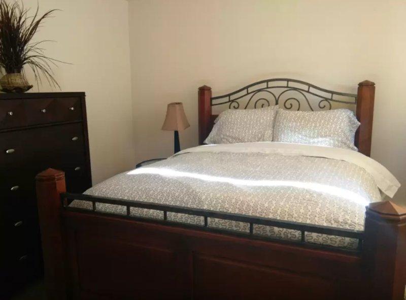 Furnished 1-Bedroom In-Law at 132nd Ave SE & SE 43rd Pl Bellevue - Image 1 - Bellevue - rentals
