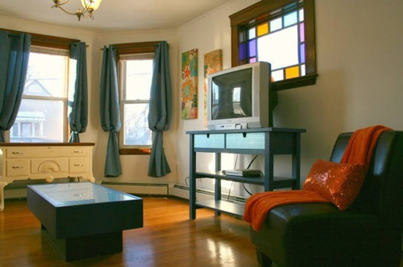 Furnished 2-Bedroom Apartment at Concord Ave & Griswold St Cambridge - Image 1 - Cambridge - rentals