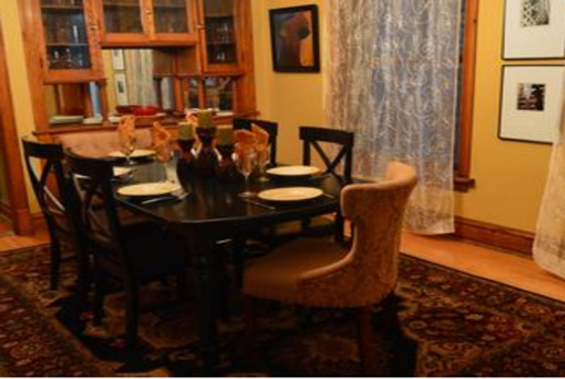 Furnished 3-Bedroom Apartment at W Grace St & N Lakewood Ave Chicago - Image 1 - Chicago - rentals