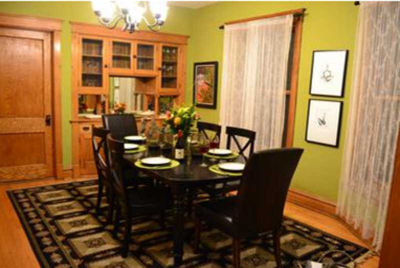 Furnished 3-Bedroom Apartment at W Waveland Ave & N Lakewood Ave Chicago - Image 1 - Chicago - rentals