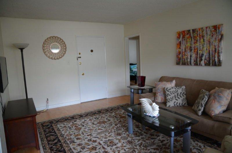 Furnished 1-Bedroom Condo at N El Centro Ave & Gregory Ave Los Angeles - Image 1 - Los Angeles - rentals