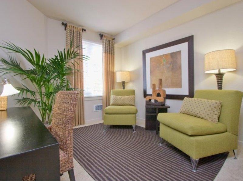 Furnished 2-Bedroom Apartment at Bay St & Ohlone Way Emeryville - Image 1 - Emeryville - rentals