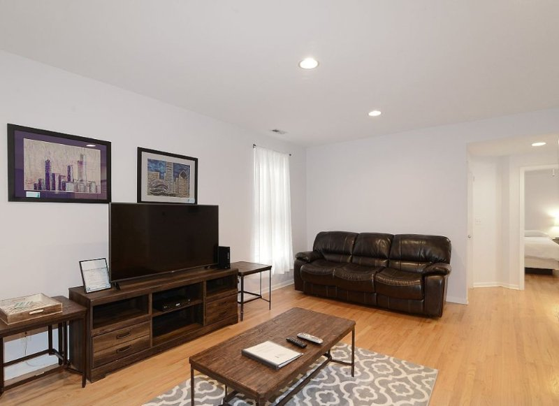 Furnished 5-Bedroom Apartment at N Lincoln Ave & W Diversey Pkwy Chicago - Image 1 - Chicago - rentals