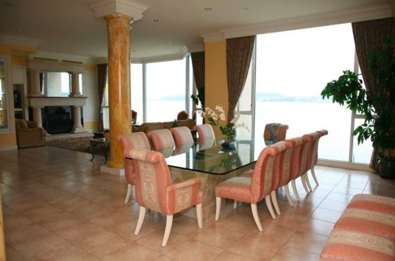 Furnished 2-Bedroom Condo at Harbor Ave SW & Fairmount Ave SW Seattle - Image 1 - Seattle - rentals