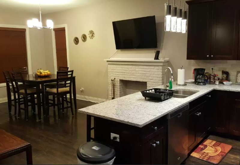 Furnished 4-Bedroom Apartment at S Lake Park Ave & E 43rd St Chicago - Image 1 - Chicago - rentals