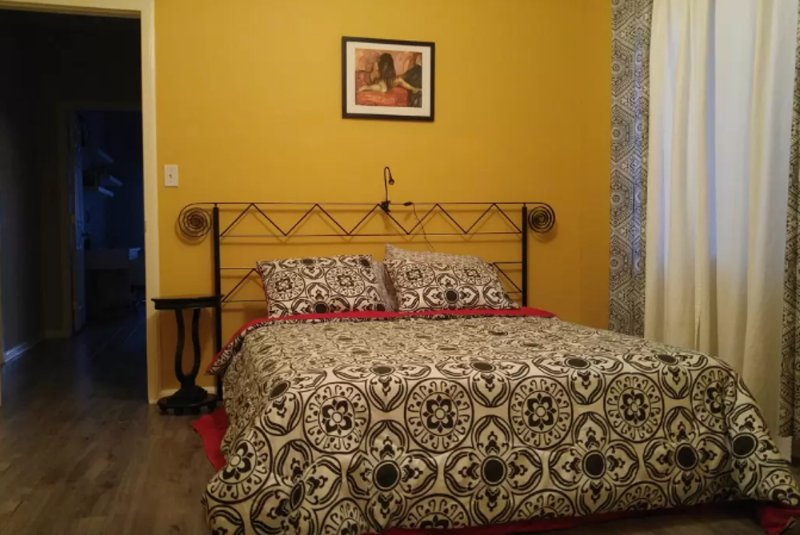 Furnished 3-Bedroom Home at N Gower St & Lexington Ave Los Angeles - Image 1 - Los Angeles - rentals
