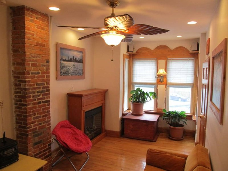 Furnished 2-Bedroom Apartment at Brooks St & Eutaw St Boston - Image 1 - Boston - rentals