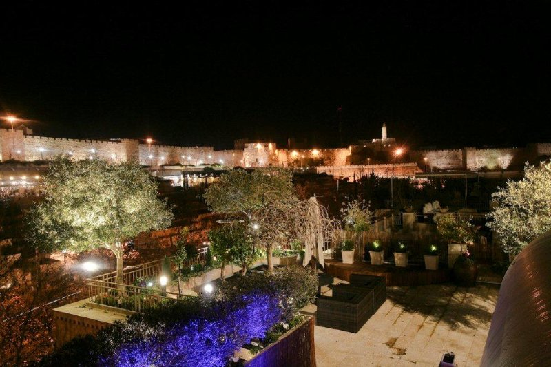 the roof (at night) - Fabulous 3 bdrs David village penthouse  with view - Jerusalem - rentals