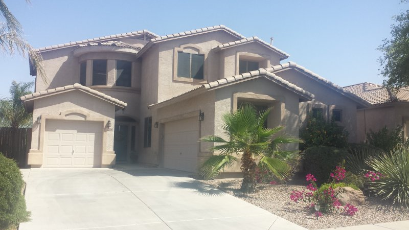 Front of house - GOLFCOURSE PARADISE AWAITS !! - Maricopa - rentals