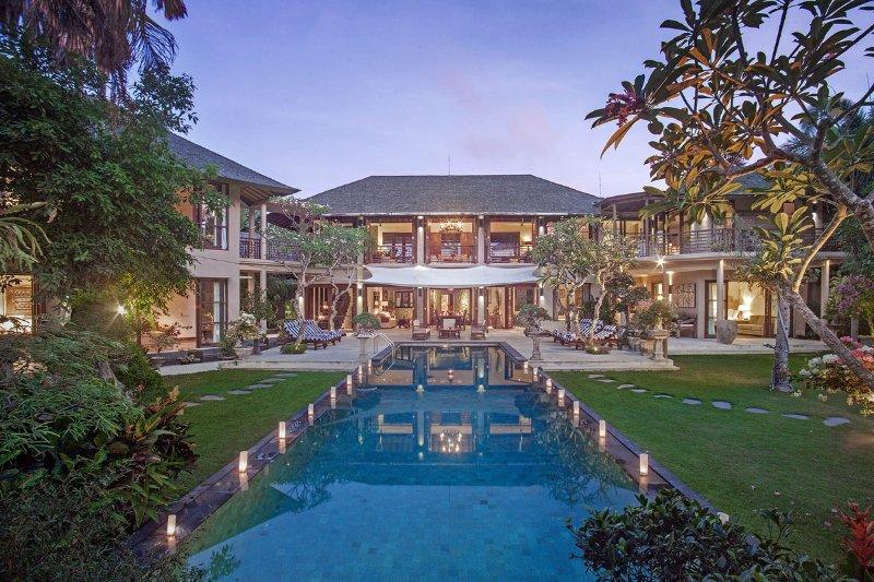 Batubelig Villa 379 - 7 Beds - Bali - Image 1 - Canggu - rentals