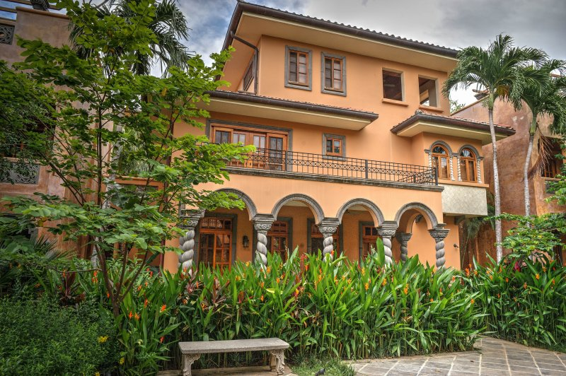 Luxurious 3 br. Villa,Near Beach, Private Pool - Image 1 - Tamarindo - rentals