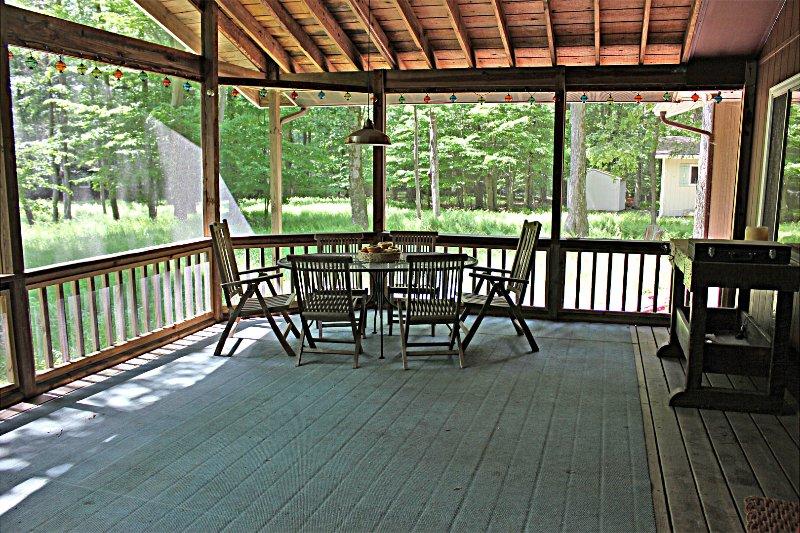 indoor deck - Renovated Pocono Lake House w/ Golf Cart - Pocono Lake - rentals