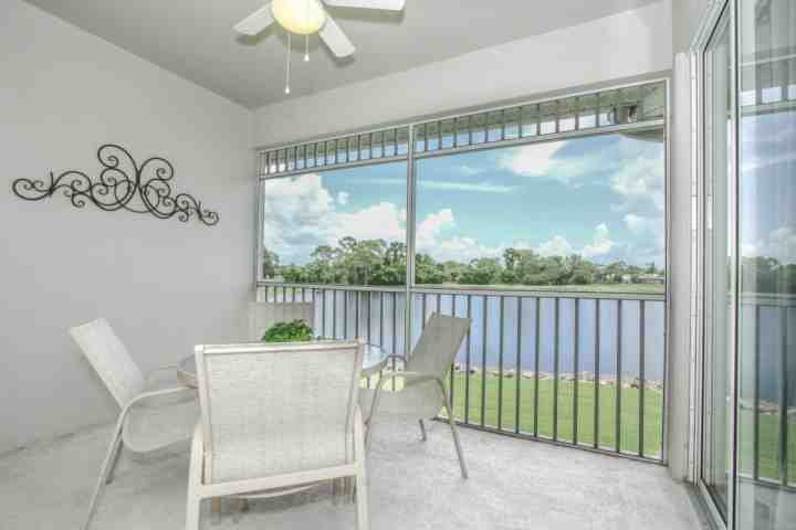 2nd floor screened lanai w/expansive lake and golf course views! - April 2017- 10% OFF Base Rental Price! Newly Renovated GreenLinks/Lely Condo - Naples - rentals