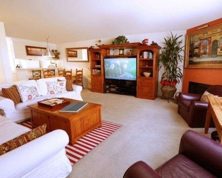 Furnished 3-Bedroom Townhouse at 4th St & Washington Ave Santa Monica - Image 1 - Santa Monica - rentals