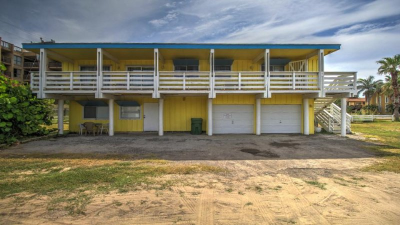 Dog-friendly home w/ deck, across the street from the beach! - Image 1 - South Padre Island - rentals