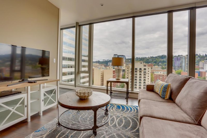 Hip, dog-friendly elegance in the heart of downtown Portland! - Image 1 - Portland - rentals