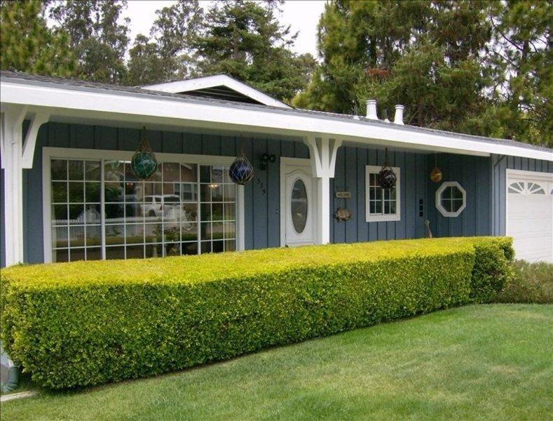 Sun-Filled 2 Bedroom, 2 Bathroom Beach House in Santa Crruz - Image 1 - Santa Cruz - rentals
