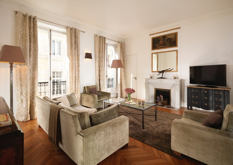 Living room  - Saint Germain Luxury Two Bedroom - Paris - rentals