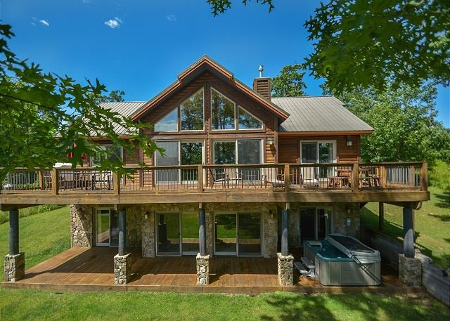 Exterior - Luxurious 5 Bedroom Mountain Chalet in prestigious community! - McHenry - rentals