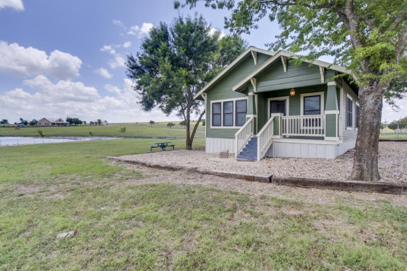 Serene setting in countryside, but close to downtown Austin - Image 1 - Austin - rentals
