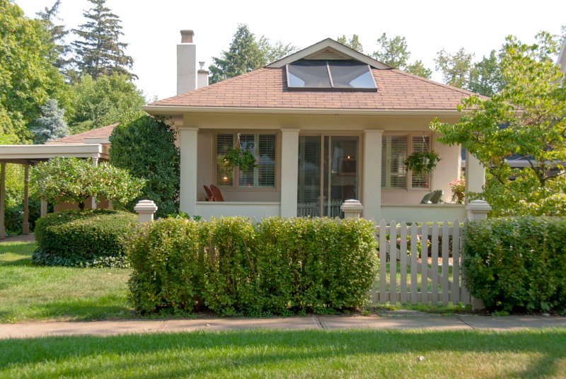 Welcome to Roseneath Cottage - Roseneath Cottage, 5 minute walk to everything - Niagara-on-the-Lake - rentals