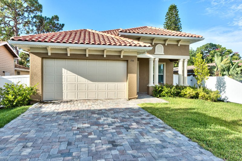 The Amalfi Vacation Rental Proudly Managed by Naples Florida Vacation Homes - Amalfi Vacation Rental *Walk to the Beach* - Naples - rentals