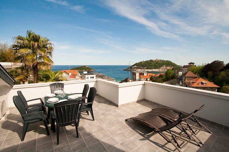 View from the upper terrace overlooking the sea - Villa Sébastien - San Sebastian - rentals
