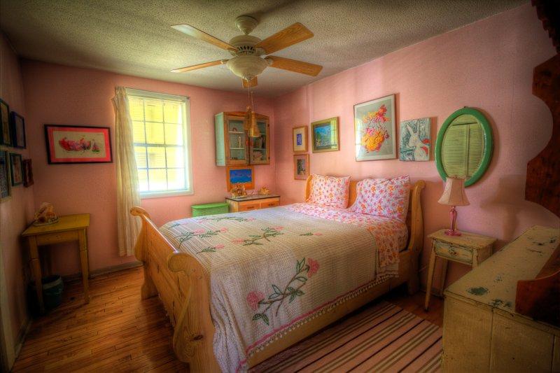 Tybee Queen, hot tub, bikes and big gameroom - Tybee Queen,12P,HotTub,Bikes,Big Gameroom,PetsOK - Tybee Island - rentals