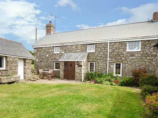 TYVOUNDER, granite cottage, woodburner, pet-friendly, close to beaches, Porthcurno, Penzance, Ref 935841 - Image 1 - Penzance - rentals