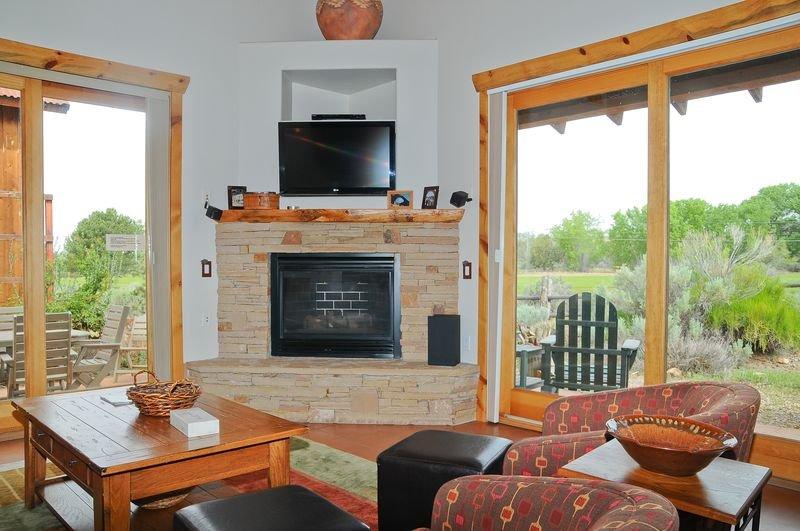 Coyote Run 2 - Living room - Coyote Run  2 - Moab - rentals