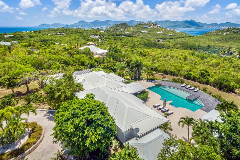 Sol e'Luna, 3BR Vacation Villa, Terres Basses, St Martin  800 480 8555 - SOL E LUNA....Full AC in this beautifully appointed family villa w/ gorgeous new pool - Terres Basses - rentals