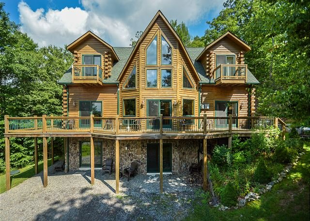 Exterior - Immaculate 4 Bedroom Log home is ready to host your dream DCL getaway! - McHenry - rentals