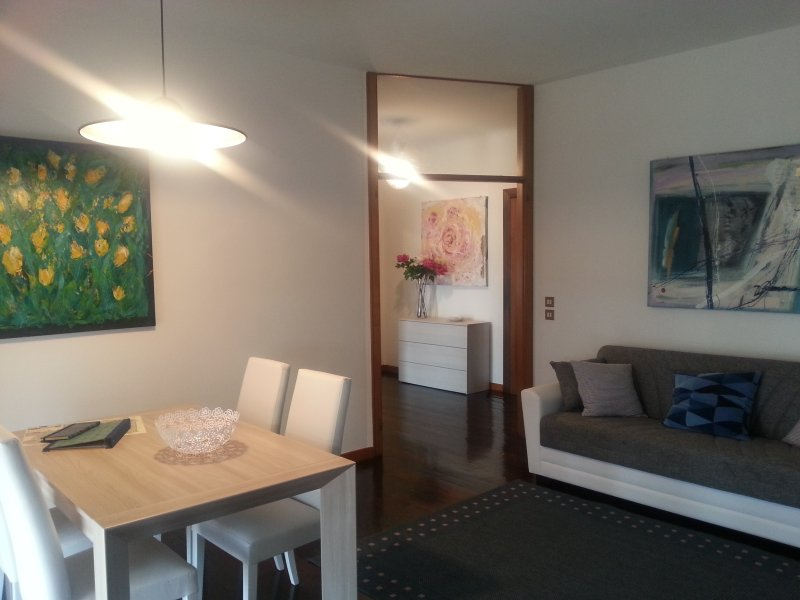 Lovely apt AL CORSO with free & private Garage in the centre of Padova - Image 1 - Padua - rentals