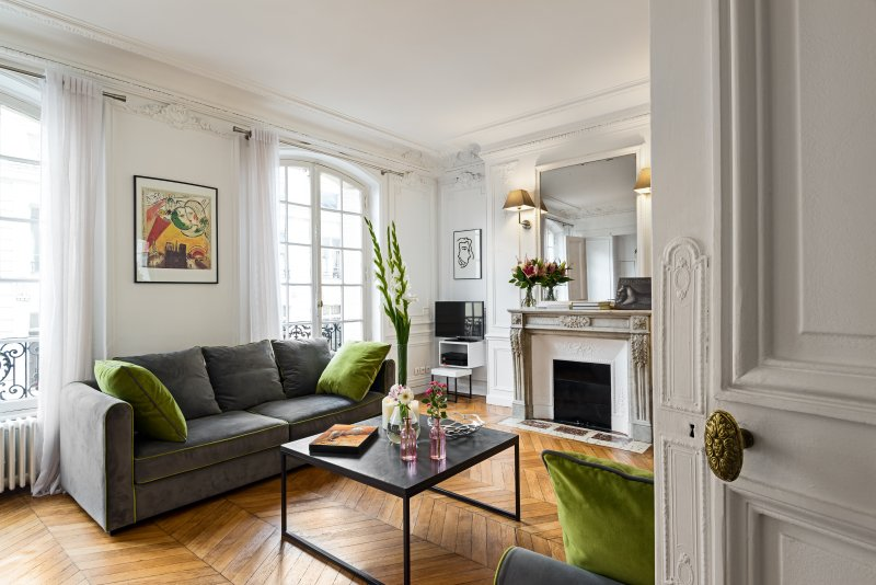 Living room view one  - Concorde Chic Three Bedroom - Paris - rentals