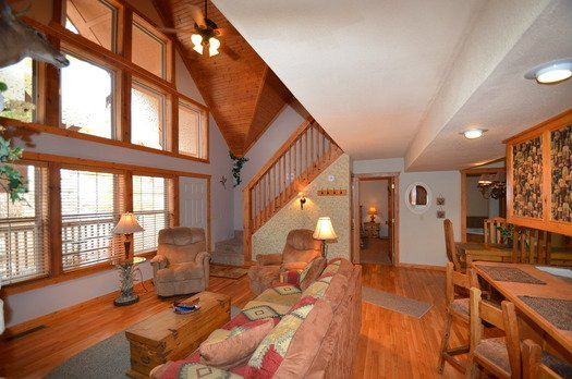 Great rooms with soaring ceilings! - 8/8 Cabins at Stonebridge 1 Mile West of SDC - Reeds Spring - rentals