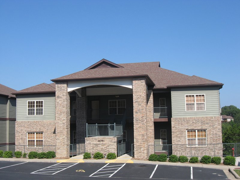 Front View of the 13th Tee - 13th TEE UNIT 1 Stonebridge Resort Villa Sleeps10 - Branson West - rentals