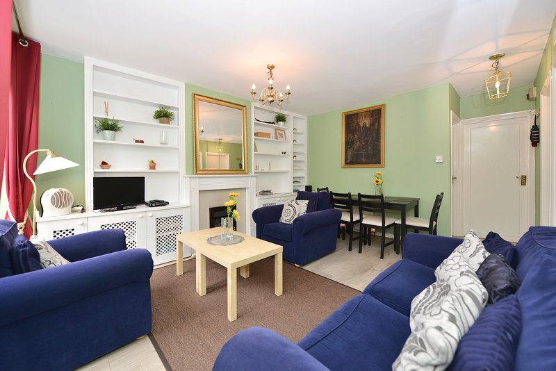 Queen Holland Vacation Rental in Kensington - Image 1 - London - rentals