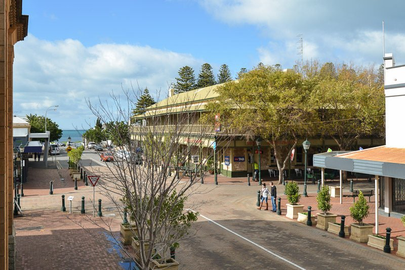 Southern Comfort Lodge - Right in the Heart of Victor Harbor - No Need for the - Image 1 - Victor Harbor - rentals