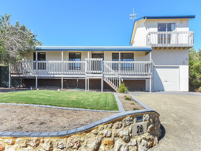 28 Hazel Street - Panoramic Sea Views in a Quiet Location - Image 1 - Goolwa - rentals
