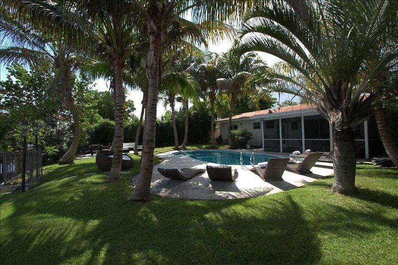 Miami Beach, Waterfront, Deal Aug $2.770/wk-Sept $2.270/wk - Image 1 - Miami Beach - rentals