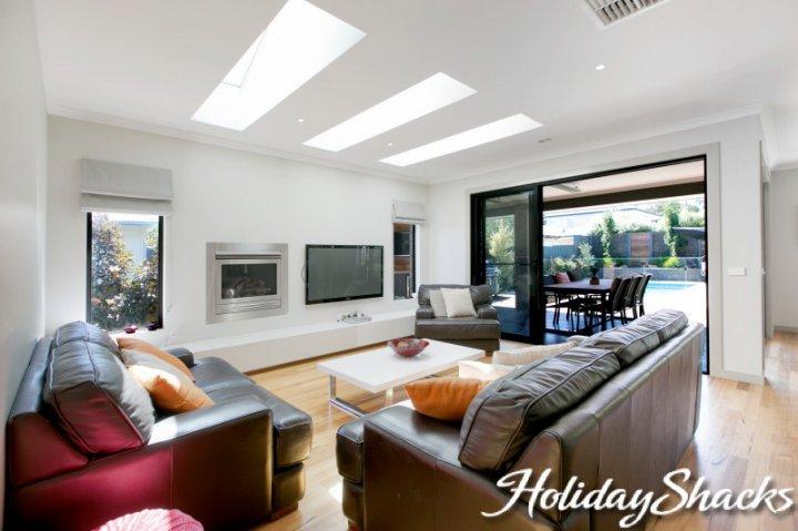 Rutland Beach House - Luxury Mount Eliza Retreat - Image 1 - Mt Eliza - rentals