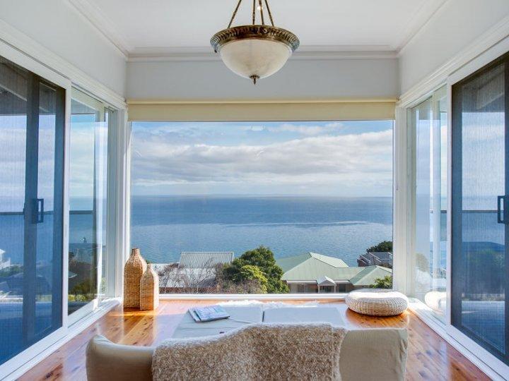 Whitehaven Bay Views - Mount Martha Retreat - Image 1 - Mount Martha - rentals