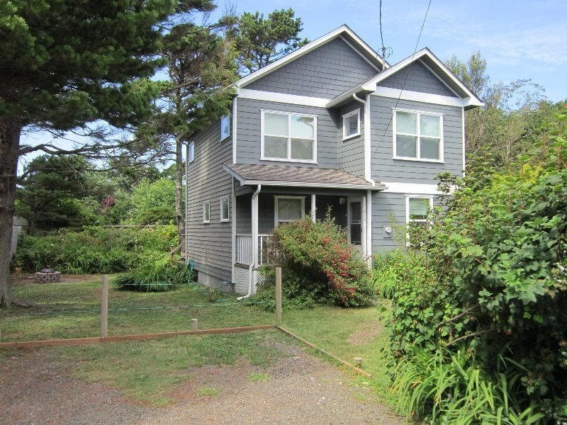 Tidal Pool Beach House - Exterior 1 - TIDAL POOL BEACH HOUSE - Newport - Newport - rentals