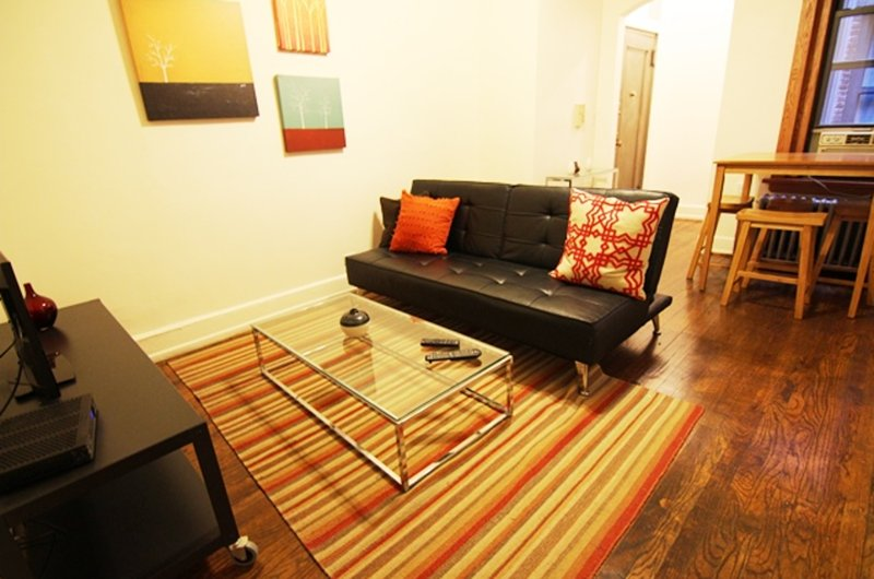 SWEET, HOMEY AND MODERN 1 BEDROOM, 1 BATHROOM APARTMENT - Image 1 - New York City - rentals
