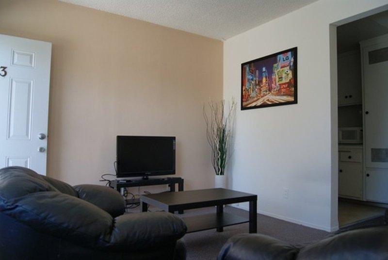 Furnished 1-Bedroom Apartment at Pennsylvania Ave & Berkeley St Santa Monica - Image 1 - Santa Monica - rentals