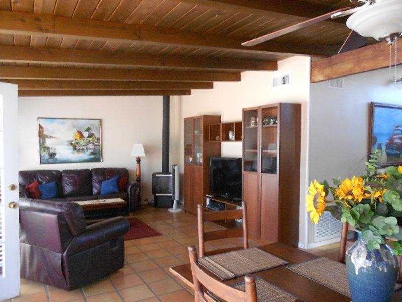 Furnished 2-Bedroom Cottage at Pierpont Blvd & Cornwall Ln Ventura - Image 1 - Ventura - rentals