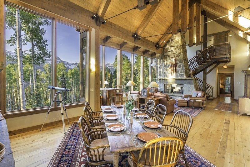 Canyon View Retreat is the perfect home for those looking to relax surrounded by incredible views. - Beautiful Ski Ranches home with private hot tub and breathtaking views - Canyon View Retreat - Telluride - rentals