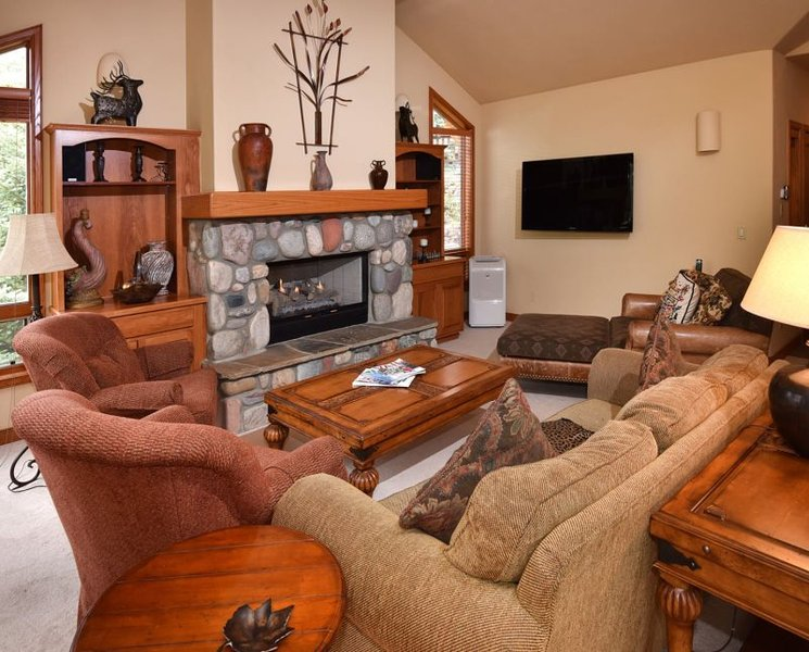 This Vail Vacation home is located on the town of Vail`s shuttel to Vail Village. - Image 1 - Vail - rentals