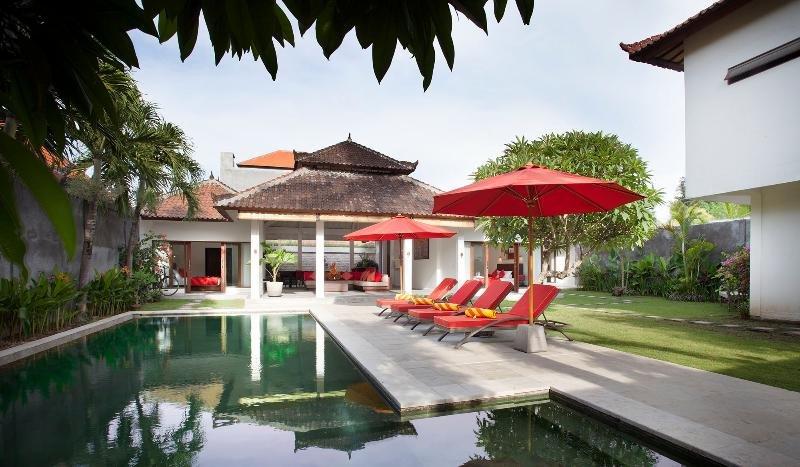 3 BR Tropical Garden Villa, Legian> - Image 1 - Legian - rentals